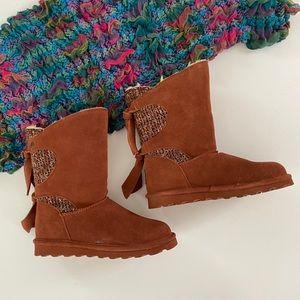 BearPaw Willow suede & tie detail boots, Sz. 7